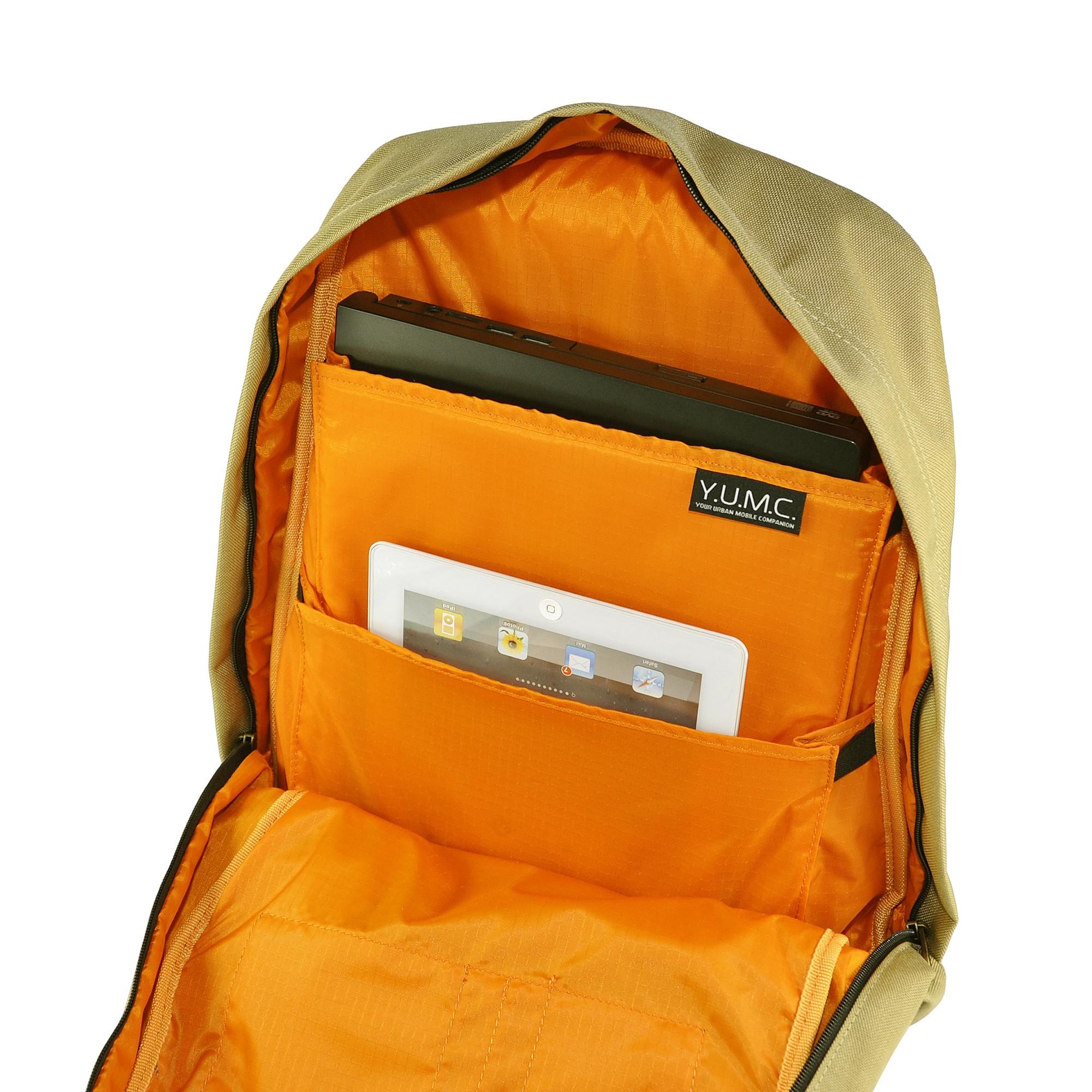 laptop & tablet compartment